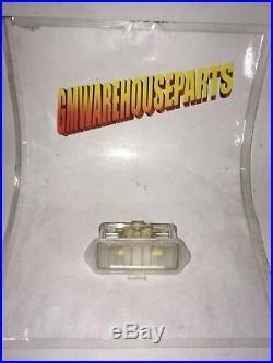 2000-2006 Tahoe Yukon Drivers Mirror Light New Gm # 88980307