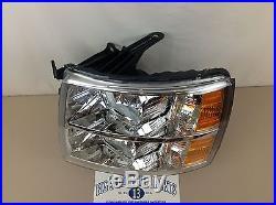 2007-2013 Chevrolet Silverado LH Driver Headlight Park Turn Signal Lamp new OEM