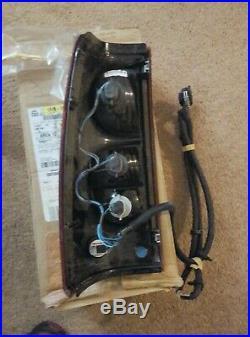 Chevy GM OEM 03 Silverado 1500 Rear Light Brake Turn Signal Assembly 15183561