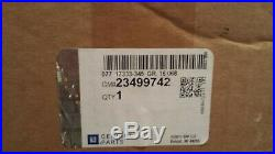 NEW OEM GM Door Mirror Turn Signal Power Right 23499742 Silverado Sierra 2014-18